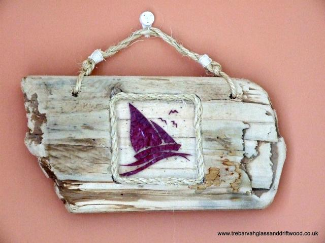 boat_in_driftwood_plaque.jpg